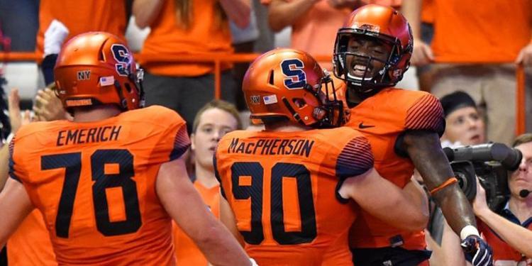 Syracuse Orange TEAM CELEBRATING DURING A GAME