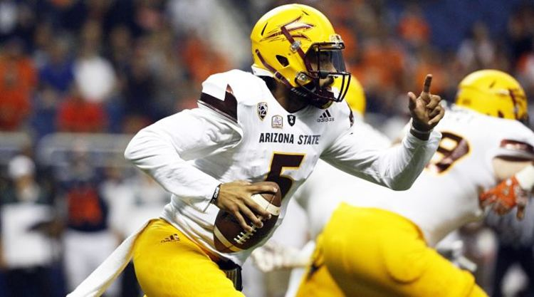 Arizona State Sun Devils Player Runs With Ball