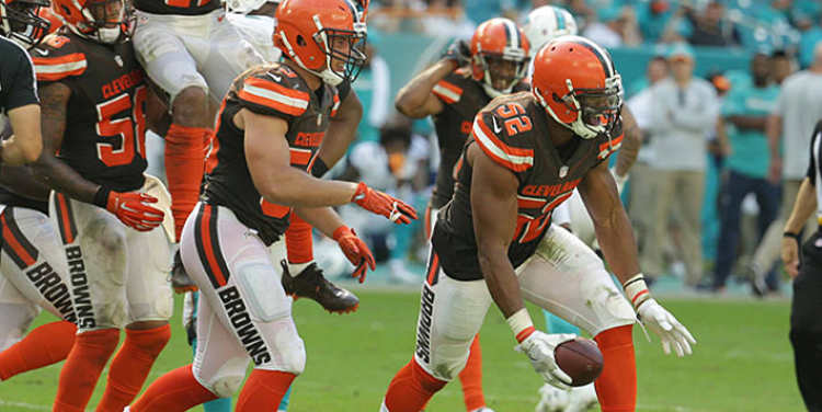 Cleveland Browns team in field