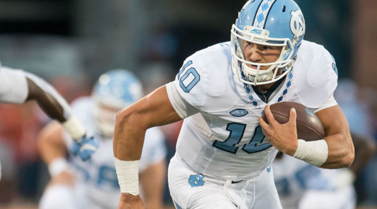 North Carolina Tar Heels Player Runs With Ball
