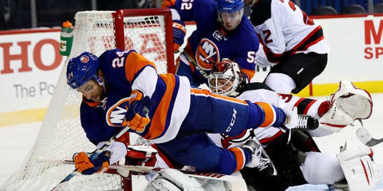 Islanders vs. Devils October 03, 2016