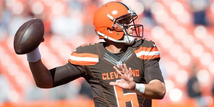 Browns player Cody Kessler in action