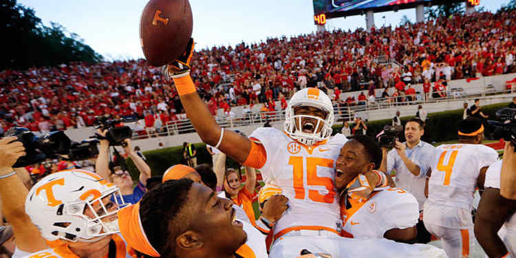 Tennessee Vols Players celebrate