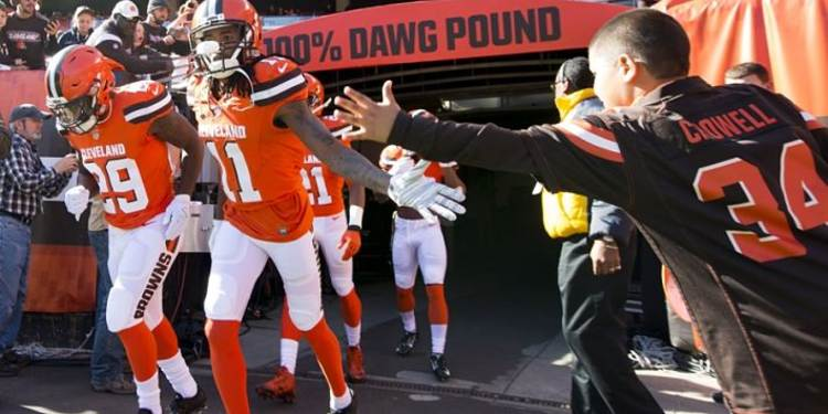 Cleveland Browns team making an entrance to the field