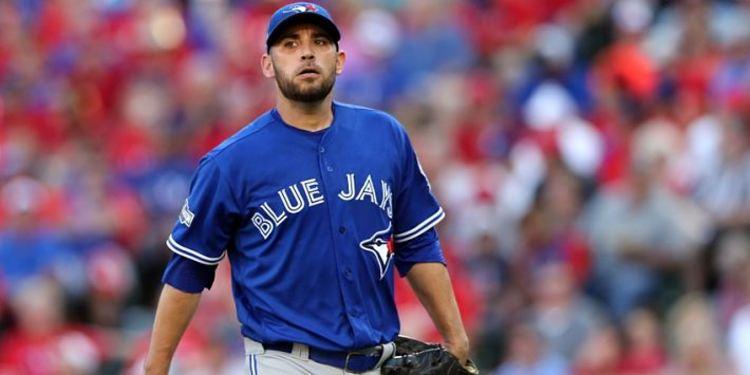 Marco Estrada pitching