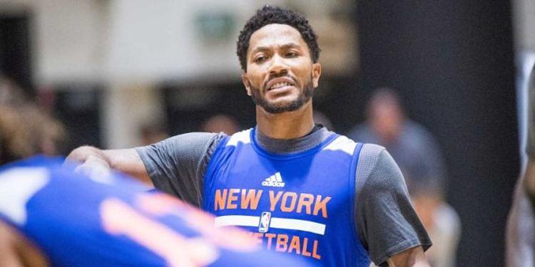 New York Knicks guard Derrick Rose looks on the camera