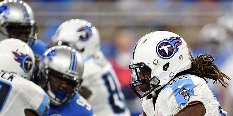 Titans' Derrick Henry #22 runs for yards