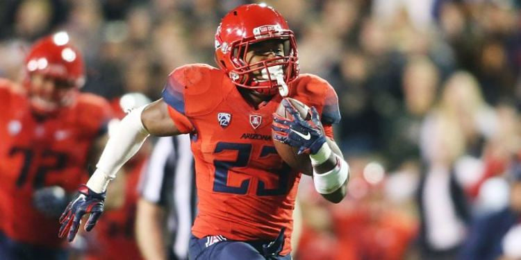 Arizona Wildcats Player Runs With Ball
