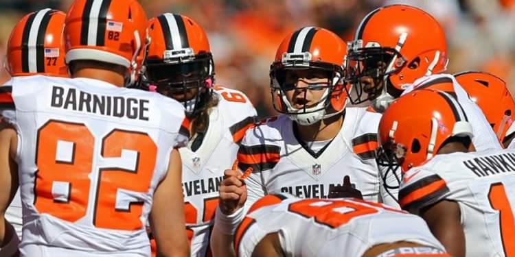Cleveland Browns team gathered around