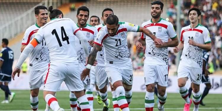 Iraq  players gathered around