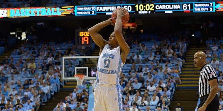 North Carolina Tarheels  player in action