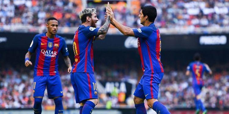 Barcelona FC players in field