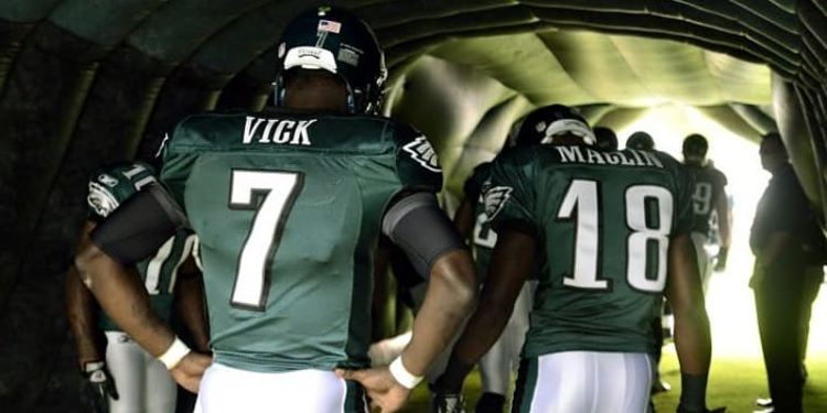 Philadelphia Eagles players about to go in field