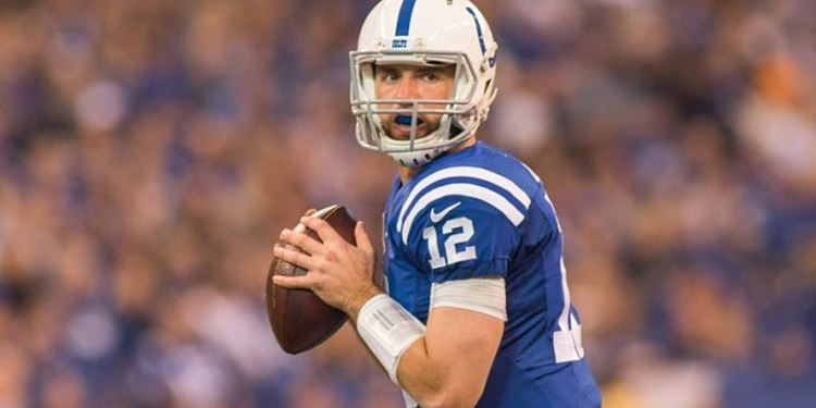 Colts QB Andrew Luck in action