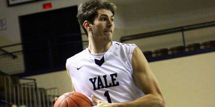 Yale Bulldogs player in action