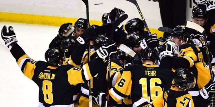 Pittsburgh Penguins players celebrating