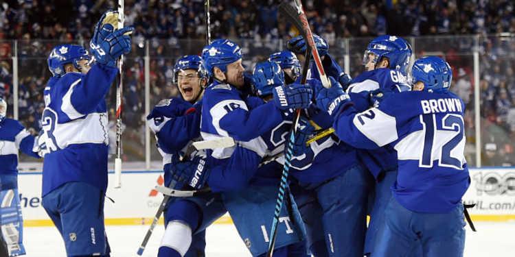 Toronto Maple Leafs  team celebrating