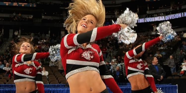 Washing State Cougars Cheerleaders