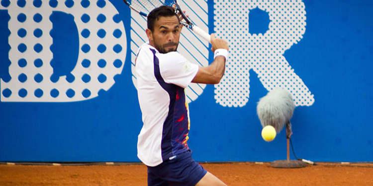 Tennis player Victor Estrella Burgos