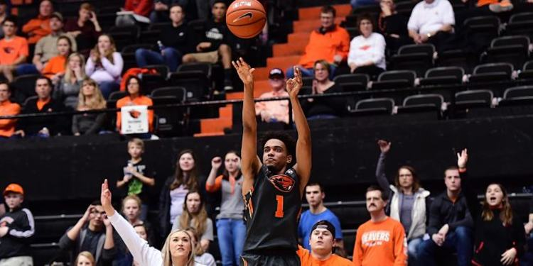 Oregon State Beavers player in action
