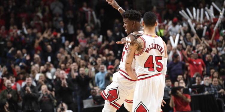 Chicago Bulls players celebrating