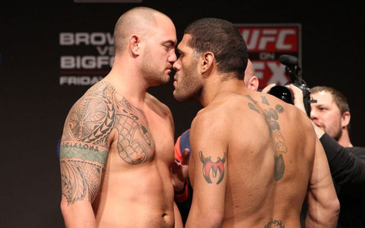 Cain Velasquez vs Travis Browne Odds