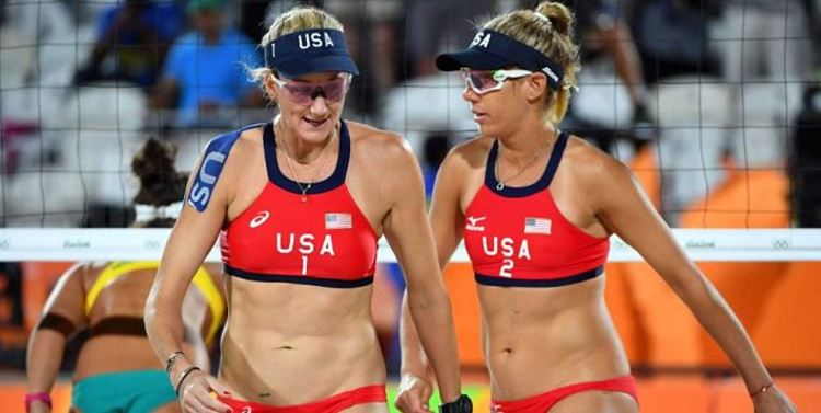 Kerri Walsh Jennings and April Ross