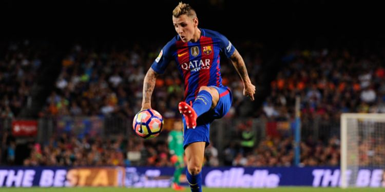 Barcelona player with the ball
