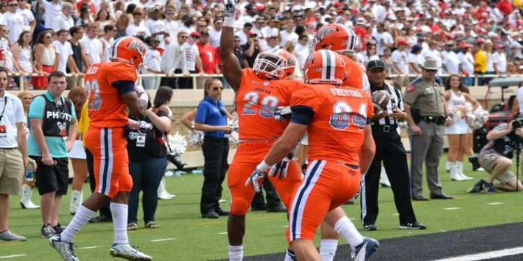 Utep Miners Football Players Celebrating