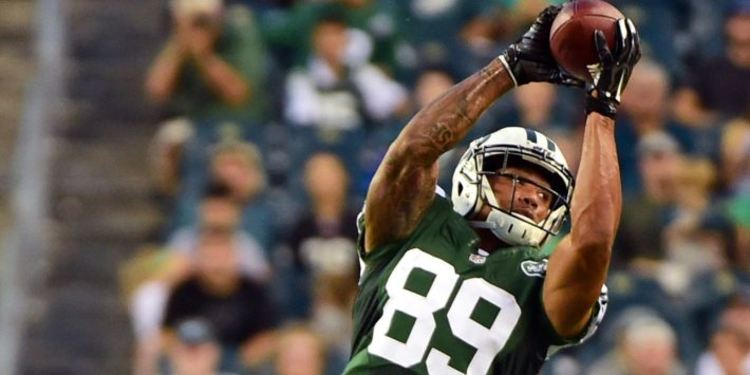 NY Jets Player Catching The Football