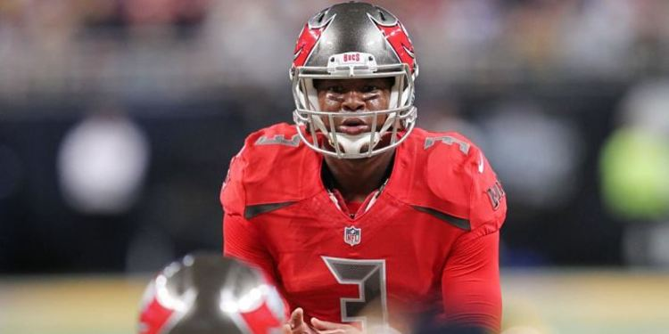 Tampa Bay Buccaneers' Jameis Winston during a game waiting for a move