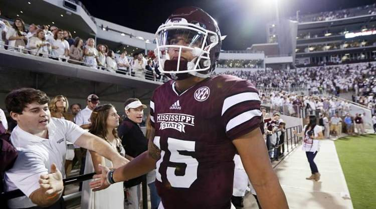 Mississippi St Player salutes fans