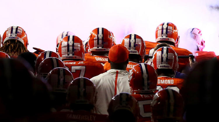 Clemson Tigers Make big Entrance