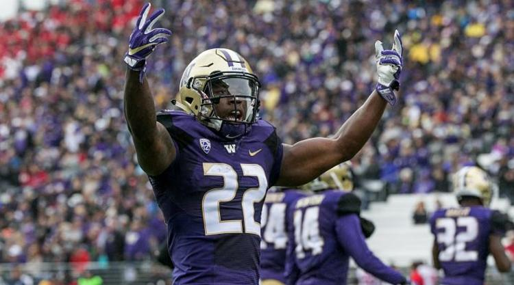 Washington Huskies Player Celebrates