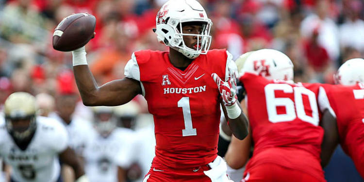 Houston Cougars  QB Greg Wards In Action