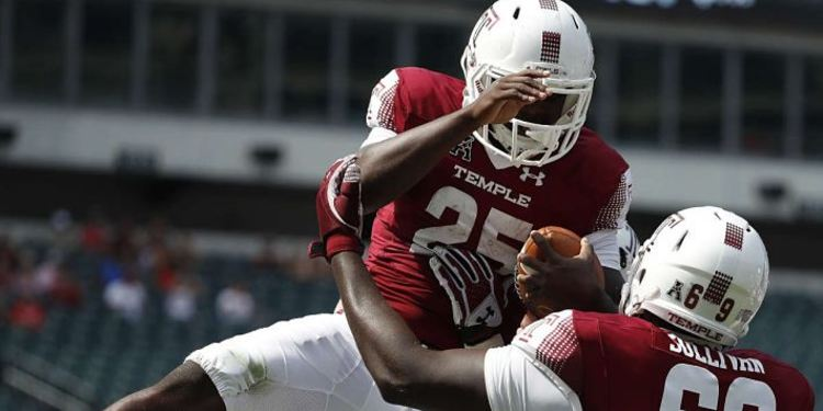 Temple Owls Players Celebrate