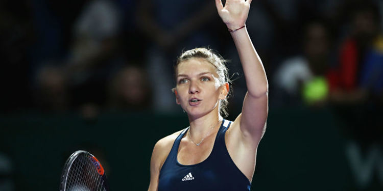 Tennis player Simona Halep greeting public