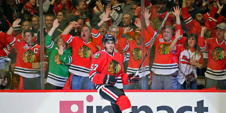 Chicago Blackhawks Player & Fans