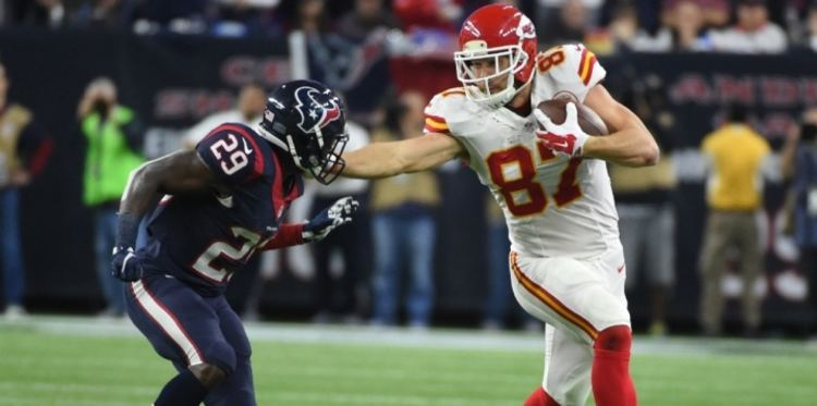travis  kelce chiefs