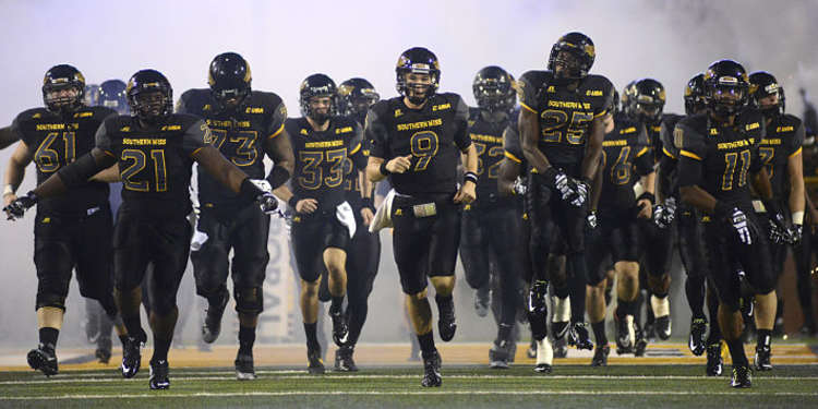 Southern Miss Golden Eagles Take the field