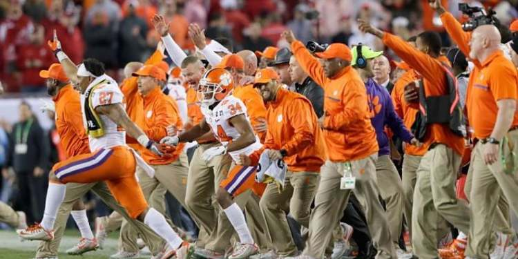 Clemson Tigers players celebrating
