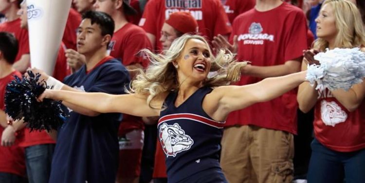 Gonzaga Bulldogs Cheerleader