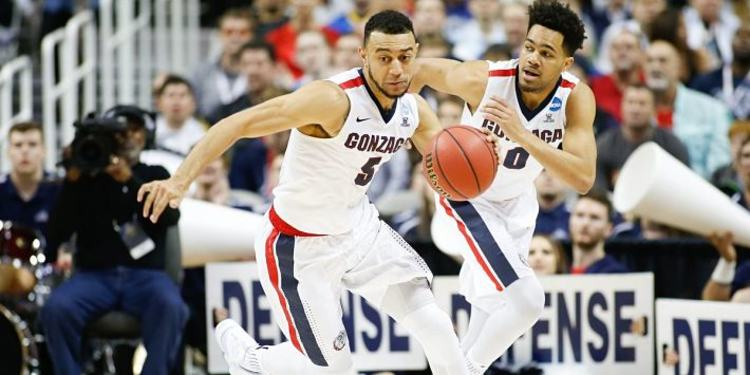 Gonzaga Bulldogs players in action