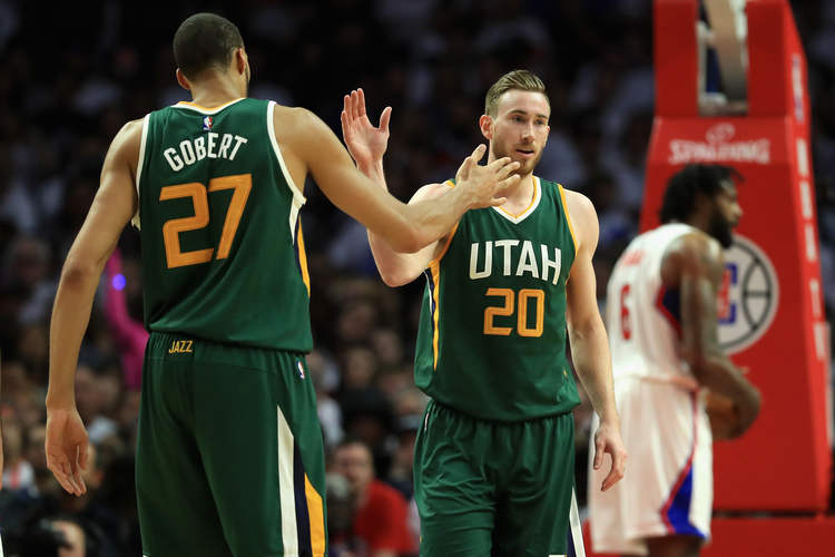 Utah Jazz players giving high fives