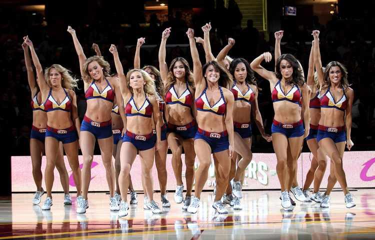 Cavaliers Cheerleaders