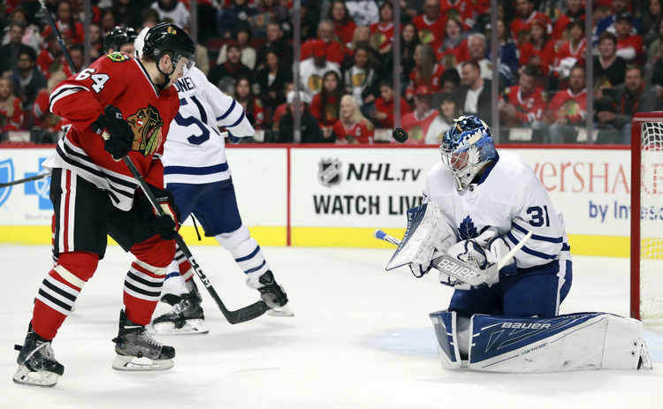 blackhawks maple leafs