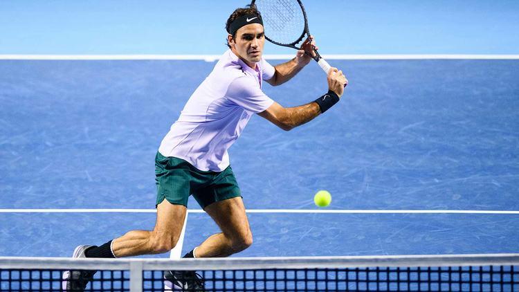 Pro tennis player Roger Federer in action