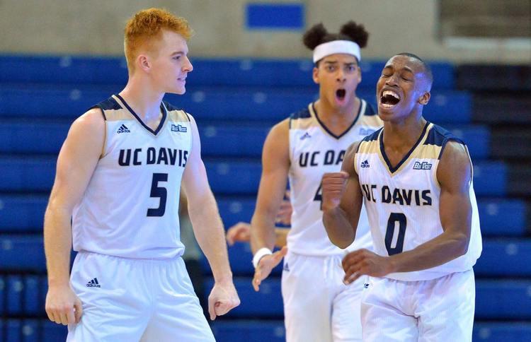 UC Davis basketball players