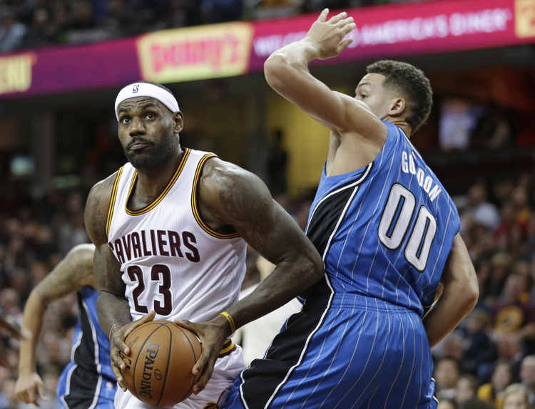 Magic play Cavaliers, James