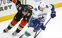 anaheim ducks and vanvouver canucks nhl